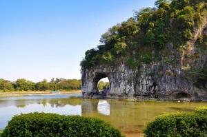 4-Скала Слон, пьющий воду, на реке Ли